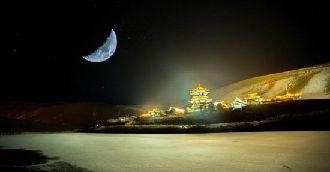 敦煌月牙泉昼夜雪景