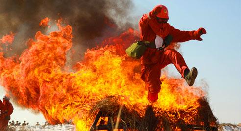 灭火吹图片素材