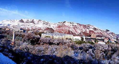 【摄影】肃南迎今秋第一场雪
