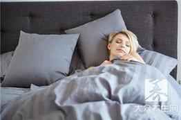 枕头人人在用 小心毁健康于无形