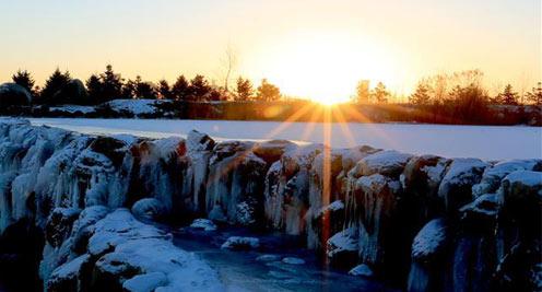 【攝影】甘肅戈壁綠洲現冰瀑景觀
