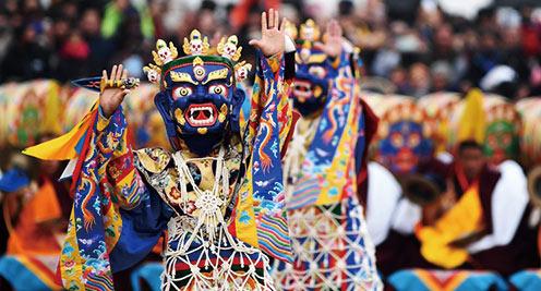 甘肅拉卜楞寺舉行正月法舞表演