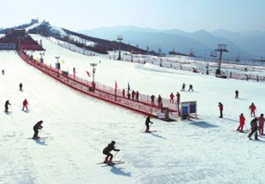 和政開啟絢麗滑雪季