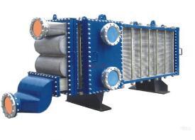 换热公司制造完成首台高压大型板壳式换热器