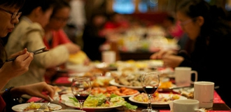 吃得太晚、吃得太快 晚餐六種錯誤吃法