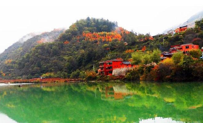 隴南官鵝溝:層林盡染 秋色如畫