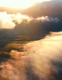 霧鎖祁連山:流雲擁翠似仙境