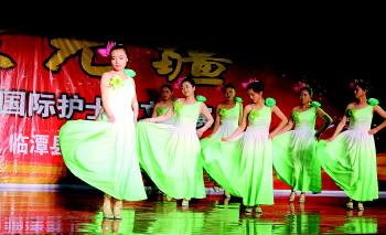 临潭举行纪念国际护士节表彰会